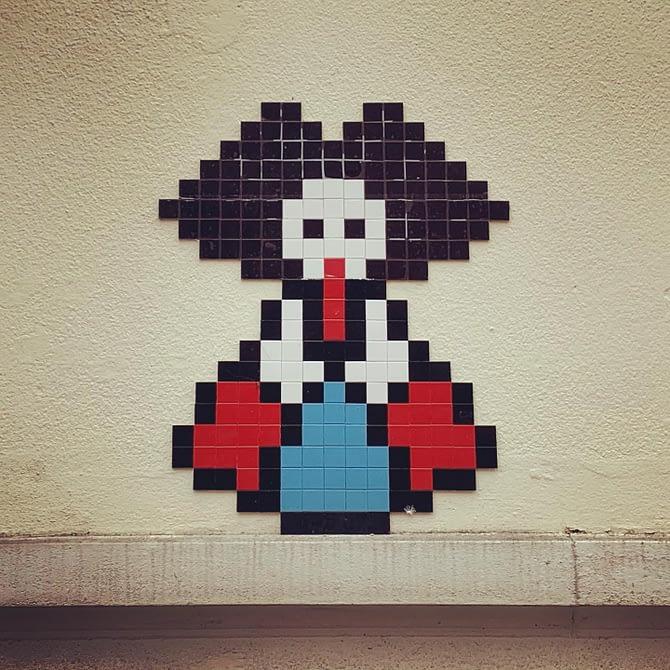 Tiens, une alsacienne ! #streetart #strasbourg by @stork_pixelart