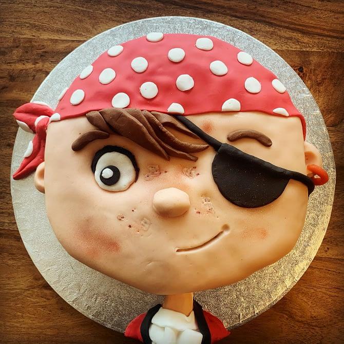 Et hop, le gâteau pour la fête avec les copains est prêt #miam #pirate #happybirthday